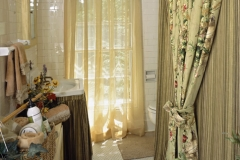 Custom Draperies and Valance in the Bathroom