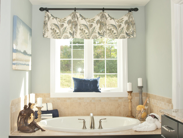Custom Valance with Decorative Rod and Rings in the Bathroom